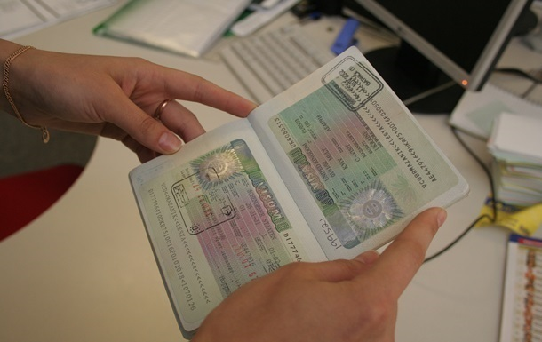Польша выдала украинцам 51 тысячу виз - Справка Информ
